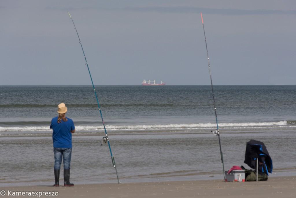 Rob Wander Fotografie zien kunst Schip strand hengel visser Schiermonnikoog vissen kameraexpreszo.nl keznl
