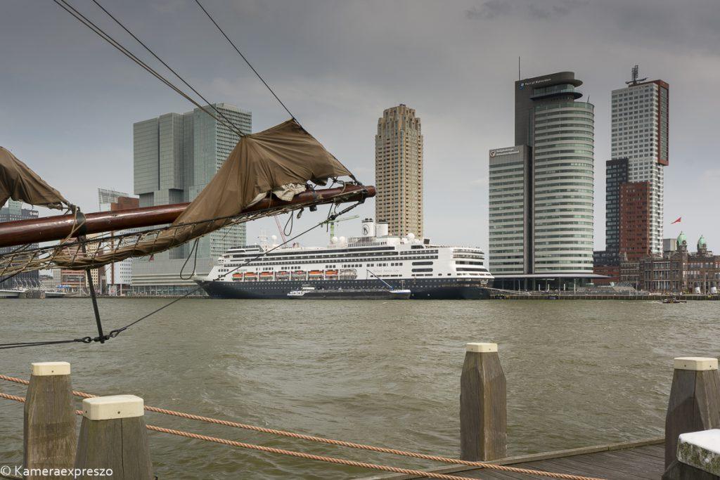 nieuws De SS Rotterdam komt thuis Rob Wander Fotografie HAL Veerhaven Wilhelminapier kameraexpreszo.nl keznl holland america lijn